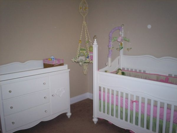 Cribfull bedroom set - $700 (Youngsville)