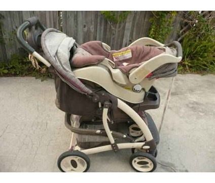 Laura Ashley Graco Stroller Travel System - $50 (Opelousas )