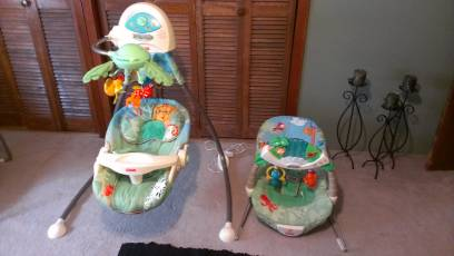 Fisher Price matching Rainforest Swing and Bouncer - $75 (New Iberia, LA)