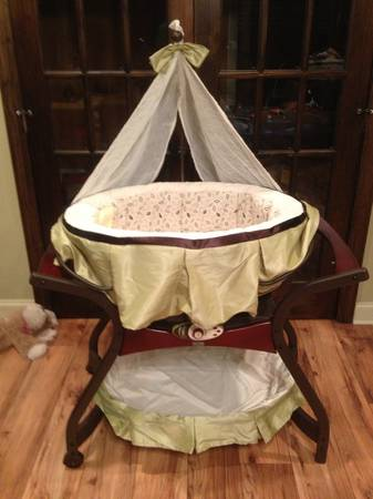 Fisher Price Zen Gliding Bassinet, Cradle Swing and Bouncer Chair - $350 (New Iberia, La)