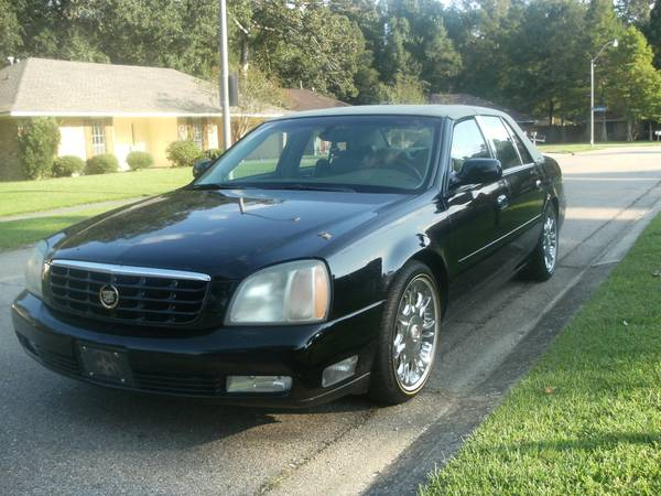 CADILLAC DTS - $3500 (CENTRAL)