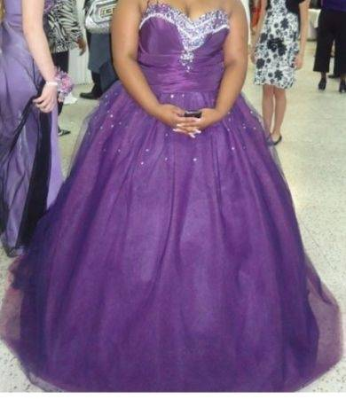 Two beautiful dresses can be used as a prom dress or wedding dress - $400 (Lafayette, la)