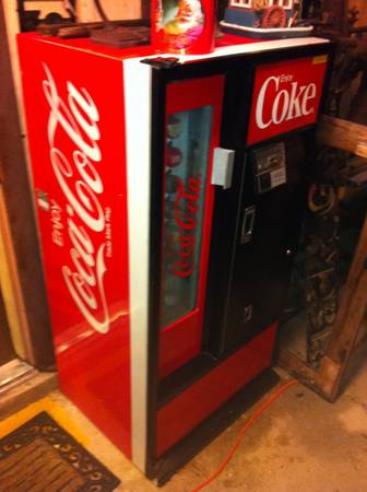 1970 s cavalier Coke Machine w key- ice cold    Very good condition -  -   x0024 430  Lafayette high