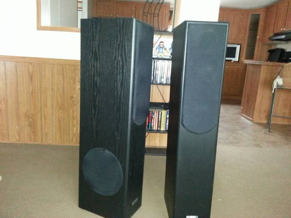 Set of 2 Theater Logic Speakers for sale - x0024100 (Scott, LA)