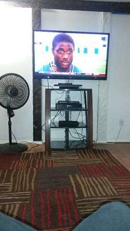 55 LG HD Lcd, Entertainment center with Wall mount, and Wifi Smart blu ray play - $600 (Lafayette)