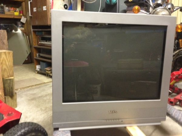 27 Inch Sanyo Flat Tube TV - $40 (New Iberia)