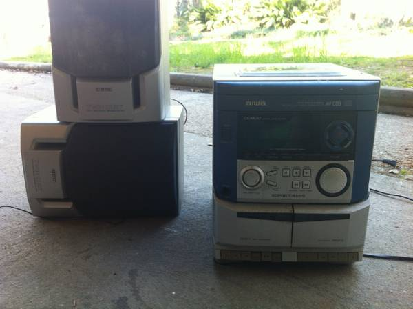 3 disc stereo system - $30