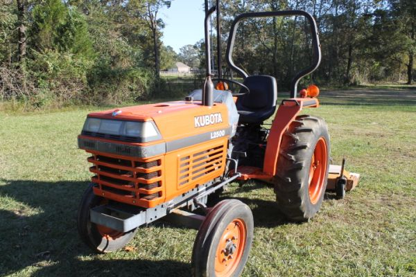 L2500 Kubota Tractor with Woods Grooming Mower - $5795 (Denham Springs, LA)