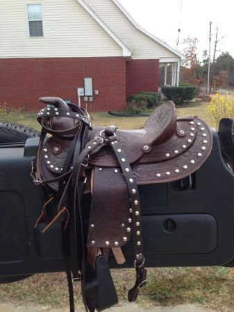 Childs Western Saddle Set - $300 (Milton,La)