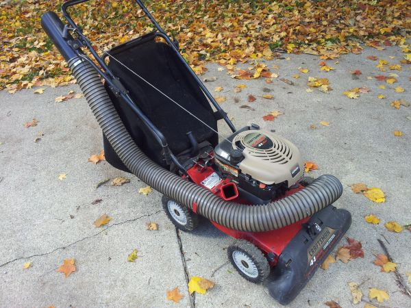 Craftsman 4 in 1 Plus Yard Vacuum Chipper Mulcher and Blower - $300 (Lafayette)