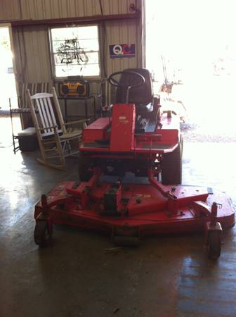 Gravely Promaster 400 - $2500 (Broussard)
