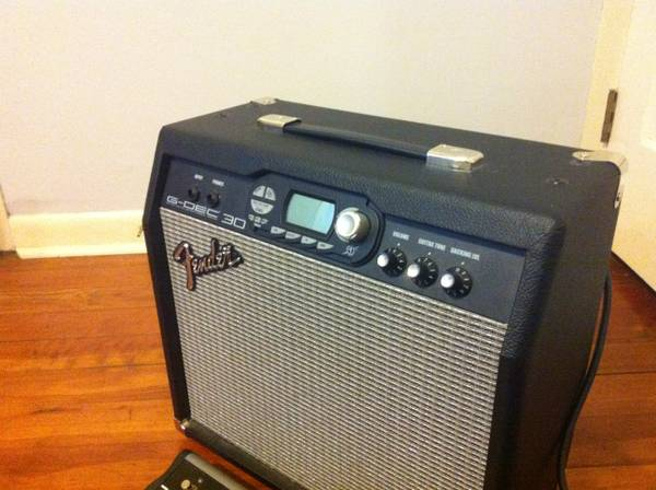 Fender G-DEC 30 w footswitch - $200 (Near ULL)