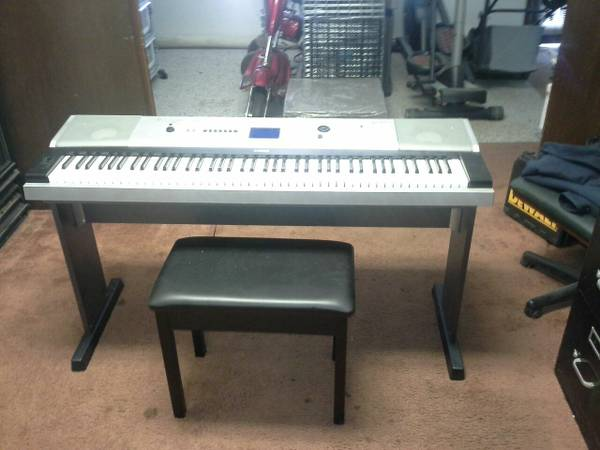 Yamaha DGX-530 Keyboard, 88 Full-Sized Lightly Weighted Piano Style Ke - $500