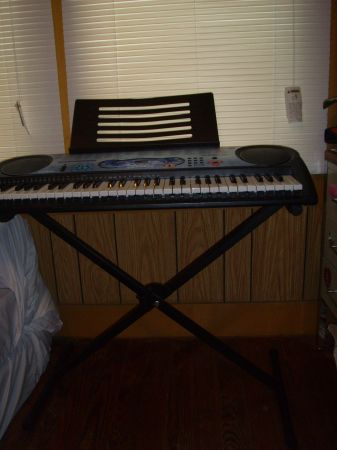 Casio keyboard, with stand, and PC connector cable - $120 (Opelousas, La)