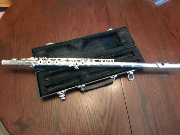 yamaha 261 flute (Youngsville)