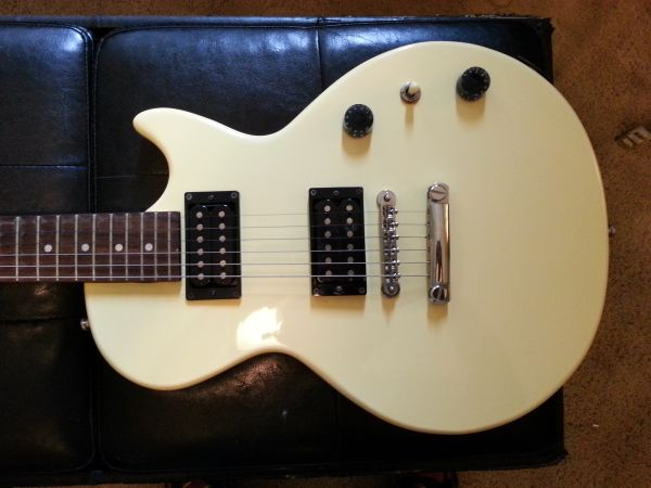 Gibson Epiphone Special Model Les Paul Guitar - $80 (Lafayette)