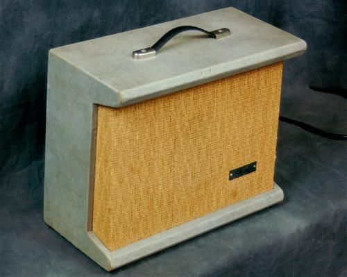1973 Fender Guitar Amp Quad Reverb - $1050 (Breaux Bridge, LA)