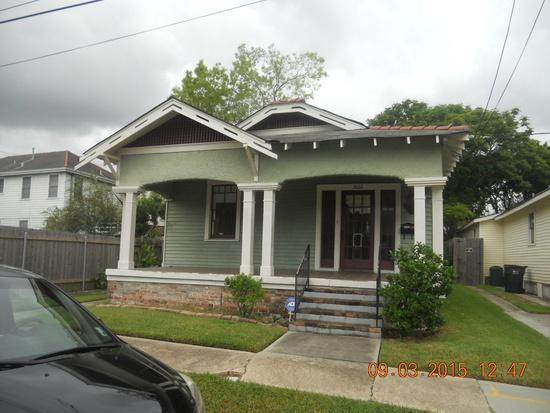 650  2br  Recently Renovated  single family house in Broadmoor