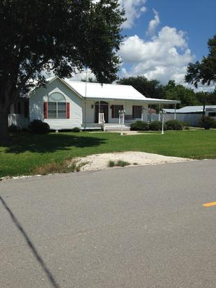 700  3br  3 beds 3 baths single family home available for rent now