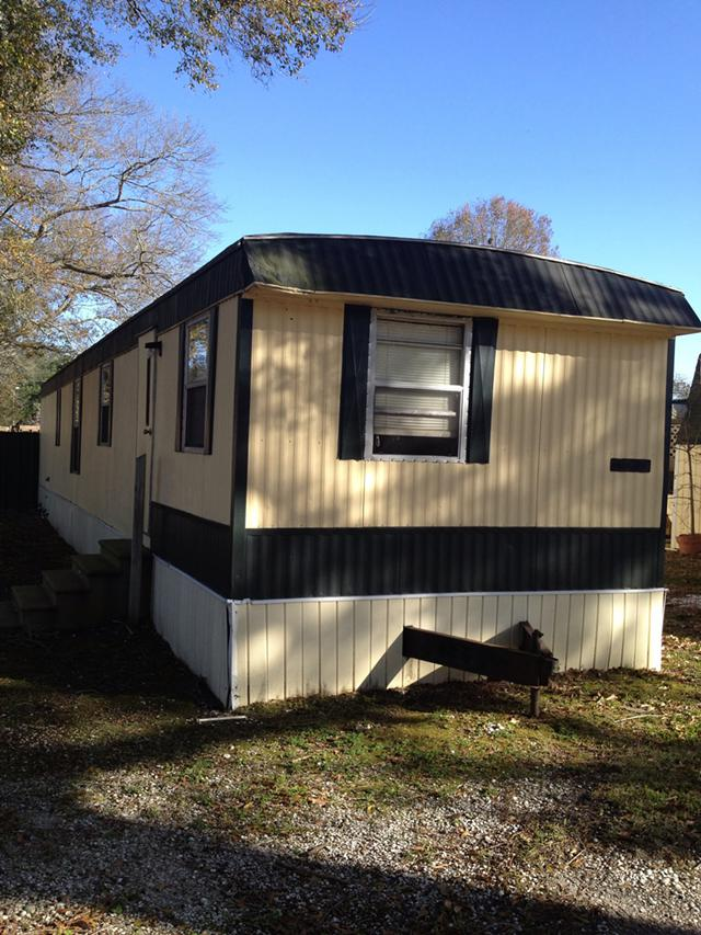 Looking to buy mobile homes trailers in Acadiana