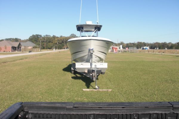 26 FOOT HYDRA SPORT VECTOR CC W TWIN 250 E-TEC ONLY 485 HOURS - $36000 (OPELOUSAS)