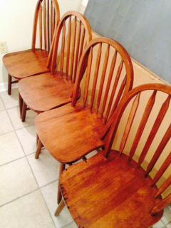 125  Kitchen Table with 4 Chairs