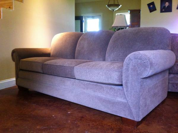 LAZY BOY COUCH CHAIR - $2000 (SOUTH LAFAYETTE)