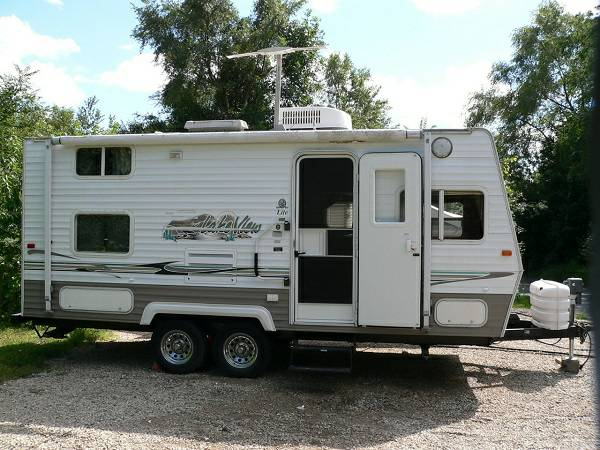 2004 Layton LakeView Lite by Skyline - $2200
