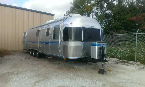 1991 Airstream Excella 1000 Clean Comfy Cozy NON-SMOKER - $9600 (Houston )