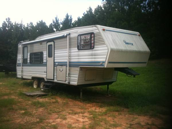 28 foot Sierra by Cobra 5th wheel - $1800 (Lake Charles)