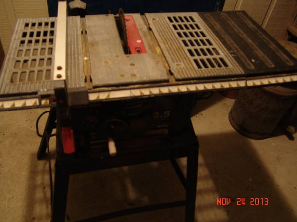 Sears 10 Table Saw on Stand Light Duty - $100 (Westlake, LA)