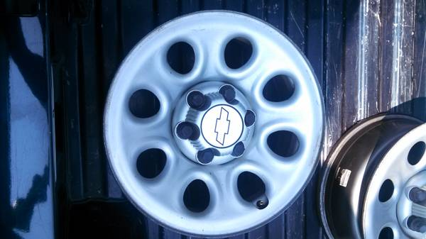 Chevrolet Factory 17 inch wheels - $225 (lake charles)
