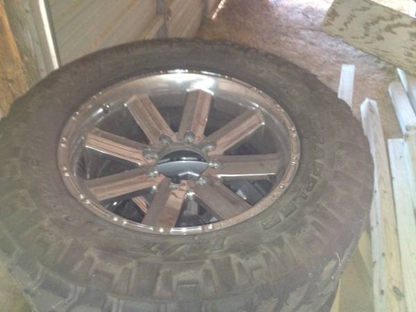 Incubus 20 rims with 35 tires for f250350 - $1000 (Dequincy )