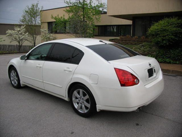 $1,811, gtTry this one gt 2006 Nissan Maxima gtgt 4 Dr Sedan SE