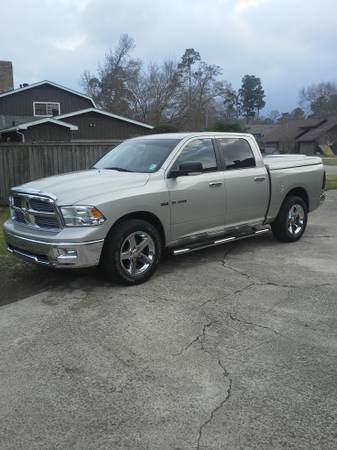 2010 Dodge Ram 1500 Crew Cab 5.7 Hemi Pickup -- SLT Big Horn Package - $24900 (Sulphur, LA.)