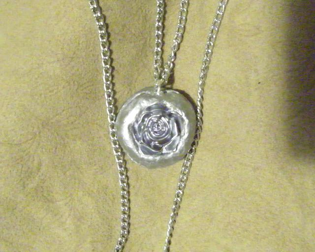 24  Lovely Silver Rose NecklaceJewelry