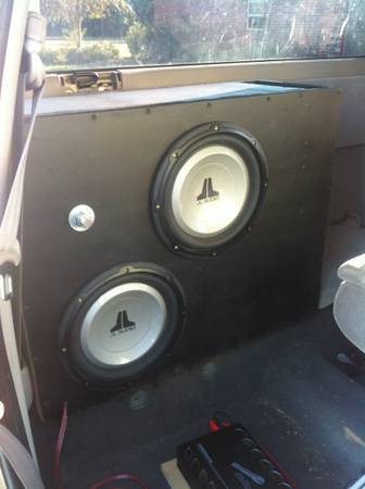 2 JL Audio 10s in a ported box - $170 (Moss bluff)