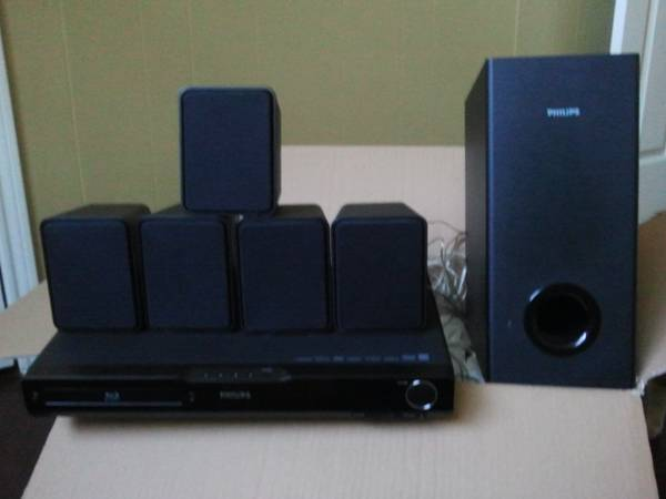 Phillips 1000 watt blu ray home theater system - $150 (Sulphur )