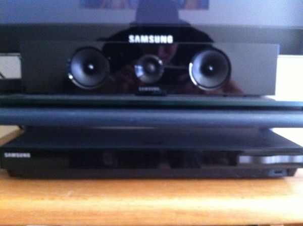 1000 watt Samsung blue ray home theater - $300 (Lake Charles )