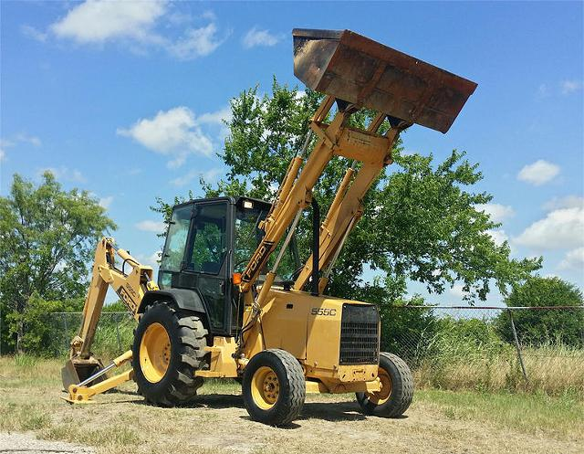 2 500  1992 Ford 555C Loader Backhoe excellent condition 1652hrs