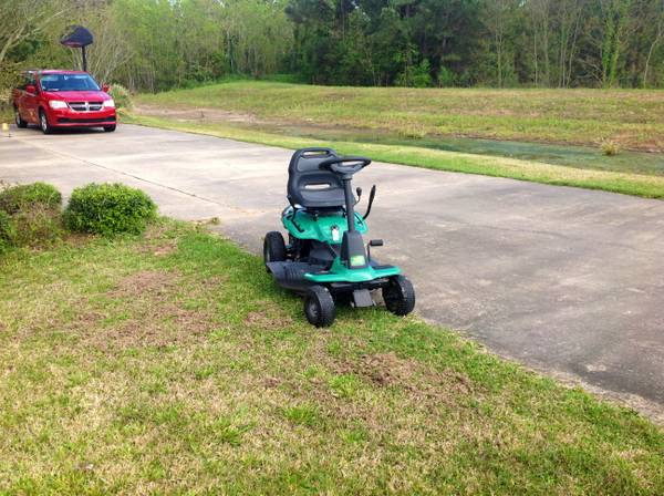 Riding lawnmower Weedeater One - $200 (South Lake Charles, Barbe Subdivision)