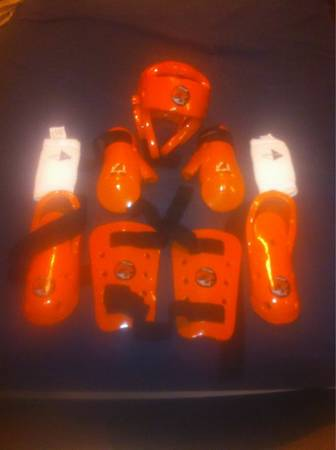 Youth karate sparring gear -   x0024 50  Moss bluff