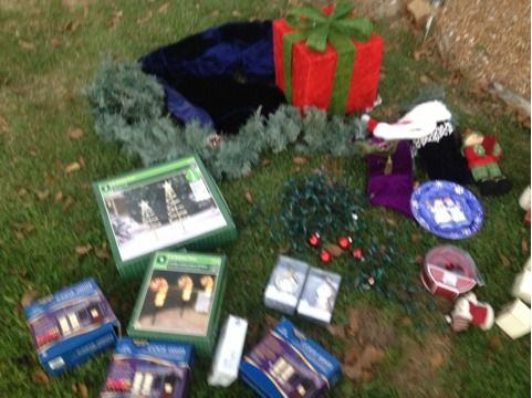 Christmas Decoration LOT FOR SALE - $100 (Mossbluff)