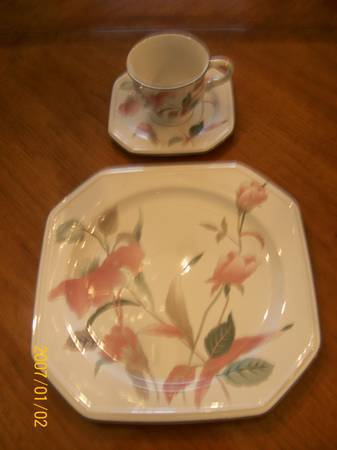 BEAUTIFUL MIKASA CHINA OVER 75 PIECE SET - $300 (OBO LAKE CHARLES,LA.)