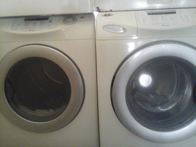 400  Washer and dryer