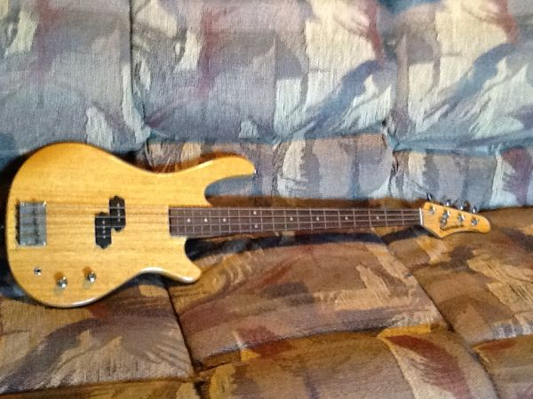 Samick 4 String Bass Guitar For Sale