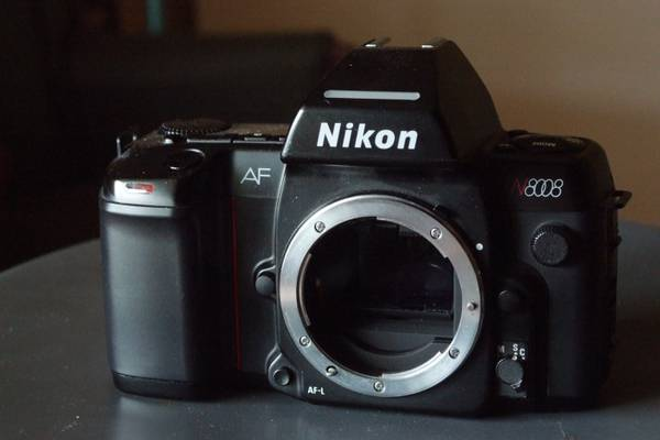Nikon 8008 35mm AF camera body -  25  jennings