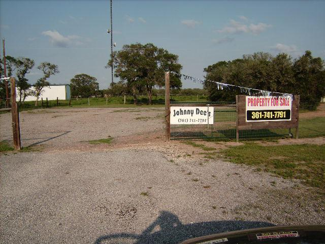 89 500  REDUCED hwy 77 north victoria tx 1 2 ac  hwy frontage  89 500