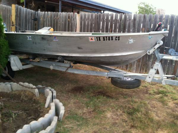 Aluma Craft and Trailer -   x0024 1000  Laredo