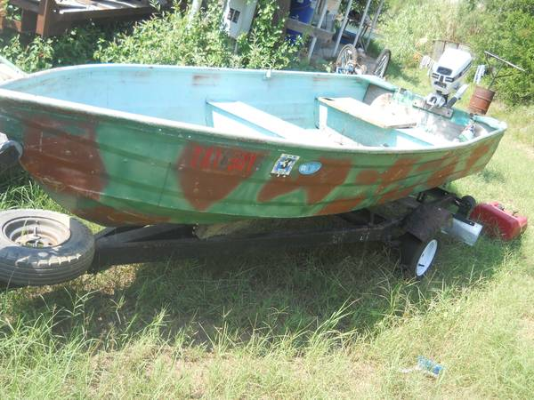 12 foot aluminum boat 4hp ob and trailer - $700 (Del Rio )